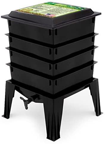 4 tray black WormFactory 360® Bin stacking system